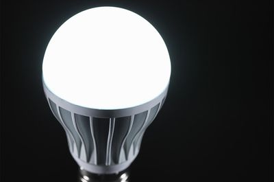 cfl light bulbs risks safety instructions